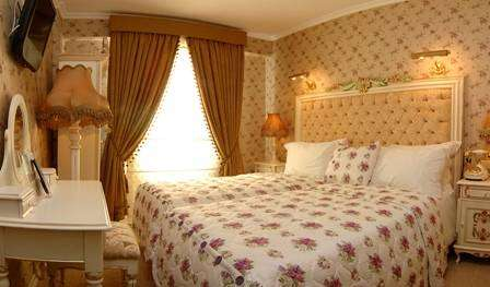 female friendly bed & breakfasts and hotels in Istanbul, Turkey