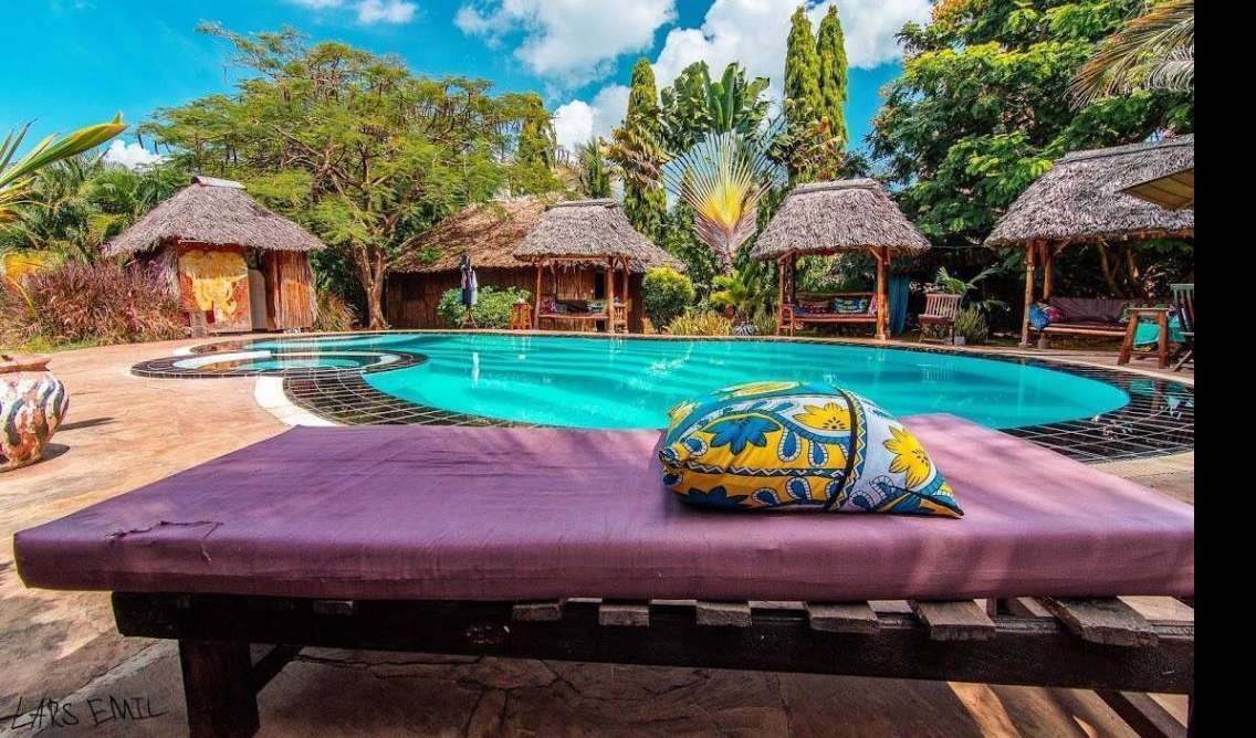 Reserve low rates for bed and breakfasts in Ukunda