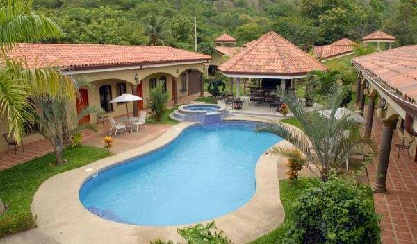 compare prices for bed & breakfasts, then book with confidence in Pochotal, Costa Rica