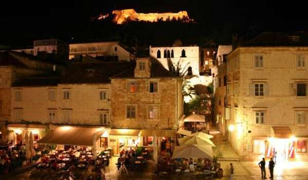 Cheap bed and breakfast rates & availability in Hvar